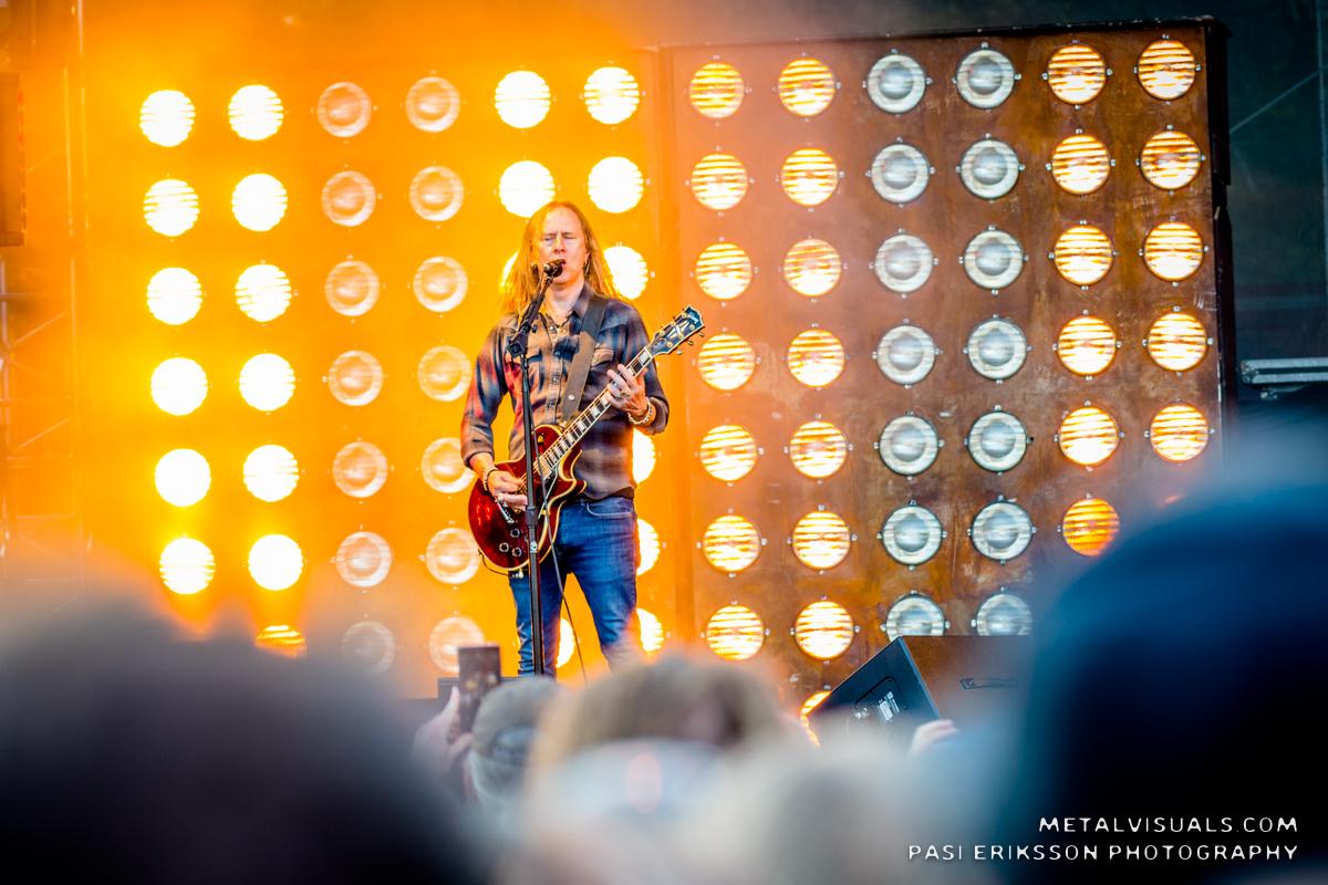Alice In Chains -kitaristi Jerry Cantrell saanut valmiiksi ensimmäisen sooloalbuminsa lähes 20 vuoteen