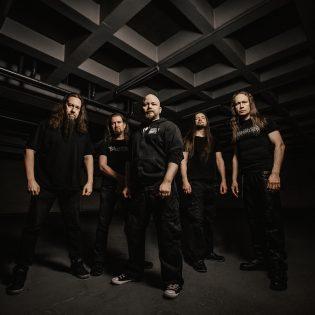 Kotimainen Bloodride 20-vuotisjuhlakiertueelle Six Feet Underin kanssa