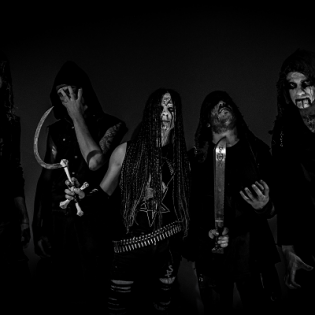 Synkkyyttä Italiasta: Darkend julkaisi ensimmäisen kappaleen syyskuussa ilmestyvältä albumiltaan