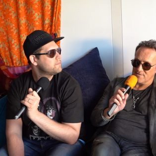 """KaaosTV tapasi Def Leppard / DIO -legenda Vivian Campbellin: """"Vinny Appicen kanssa samassa bändissä soittaminen Last In Linessa on lahja"""""""