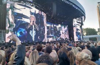 Bon Jovi ei näytä merkkejä hidastumisesta – 15000 suomalaista matkasi Tallinnaan asti todistamaan tätä maailmanluokan spektaakkelia