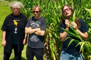 "Pitkän linjan sludgeyhtye Melvins julkaisi uuden kappaleensa ""Caddy Daddy"""