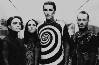"Fanit saivat tahtonsa läpi: Motionless In Whitelta video ""Another Life"" -kappaleesta"