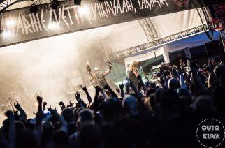 SaariHelvetti oli menestys: 5000 ihmistä hengitti heviä Tampereella