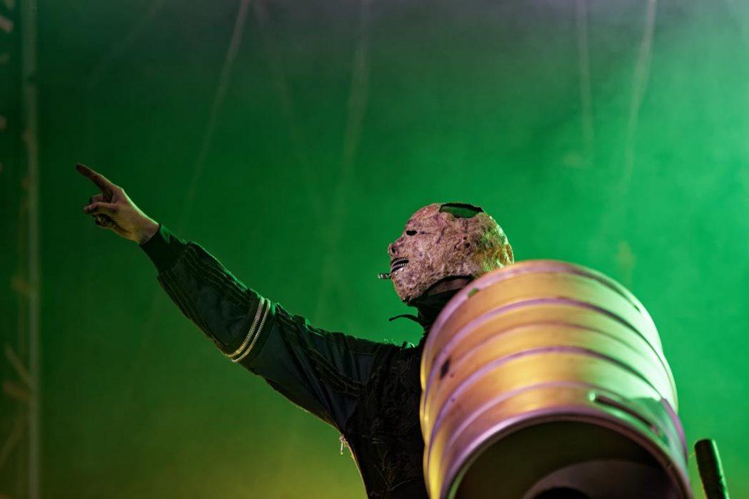 """Slipknotin Jim Root bändin mystisestä uudesta jäsenestä Tortilla Manista: """"Ihmettelen, miten kukaan ei ole vielä keksinyt hänen henkilöllisyyttään"""""""