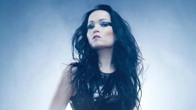 """Tarja Turunen julkaisi singlen perjantaina julkaistavalta """"From Spirits And Ghosts"""" -juhlapainokselta"""