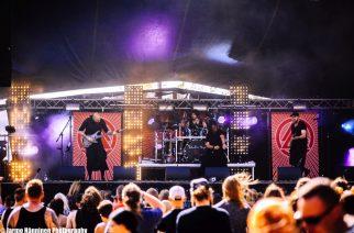 """Australialainen omintakeinen metalliyhtye Twelve Foot Ninja julkaisi karanteeniversion Huey Lewis & The Newsin kappaleesta """"Stuck With You"""""""