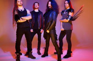 Brittiläinen Neonfly keskustelee uudella videolla tulevasta albumistaan ja tuoreesta singlestään: levyn viimeistely joukkorahoituksella