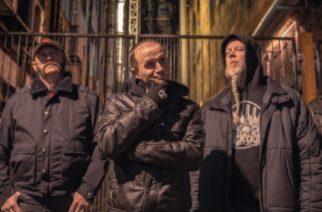 Acid Reigniltä single folk-tähti Suzanne Vegan kanssa