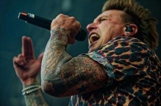 """Papa Roach julkaisi yhdellä otolla kuvatun livevideon kappaleelleen """"To Be Loved"""""""