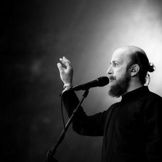 Isä, poika ja pyhät naiset – Samuli Putron konserttisalikiertue starttaa syyskuun alussa