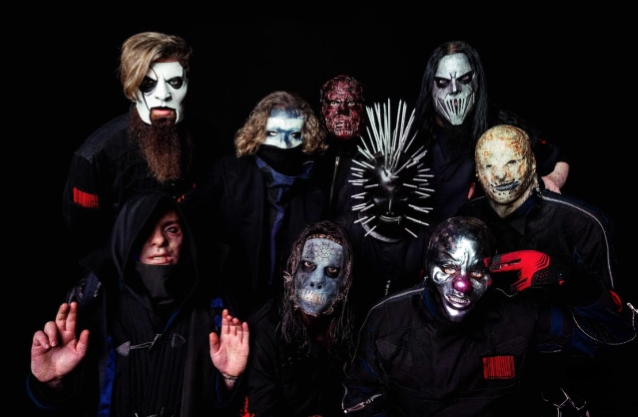 "Slipknot julkaisi häiriintyneen videon ""Birth Of The Cruel"" -kappaleesta: uusi albumi ""We Are Not Your Kind"" ulkona perjantaina"