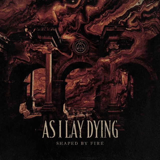 """Tim Lambesis löysi metalcoren kadonneet pallit ja otti ne puristusotteeseen – arviossa As I Lay Dyingin """"Shaped By Fire"""""""
