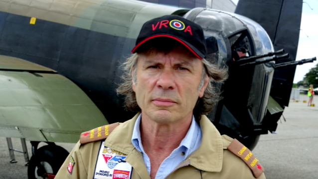 Iron Maiden -kippari Bruce Dickinson lähtee spoken word -kiertueelle Englantiin