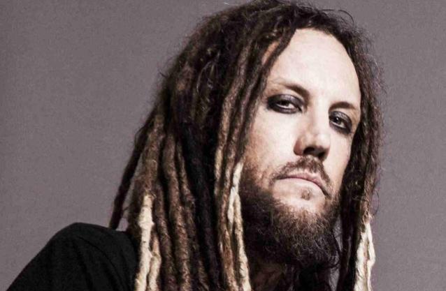 """Kornin Brian """"Head"""" Welch ei usko yhtyeen pystyvän soittamaan isoja keikkoja vuoden 2021 aikana"""