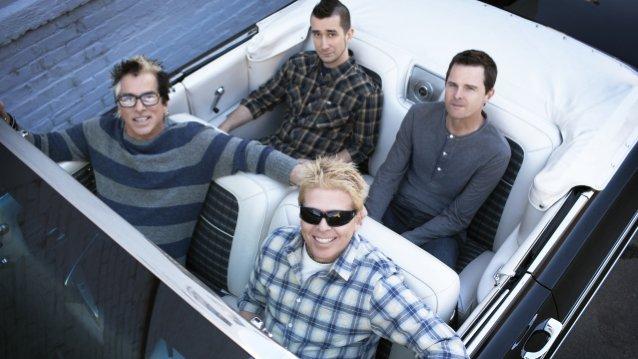 """The Offspringilta uusi albumi huhtikuussa: levyn nimikkokappale """"Let The Bad Times Roll"""" kuunneltavissa"""