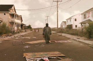 """Maailmanlopun tunnelmia: The Number Twelve Looks Like You julkaisi uuden  """"Raised And Erased"""" -kappaleen musiikkivideon kera"""
