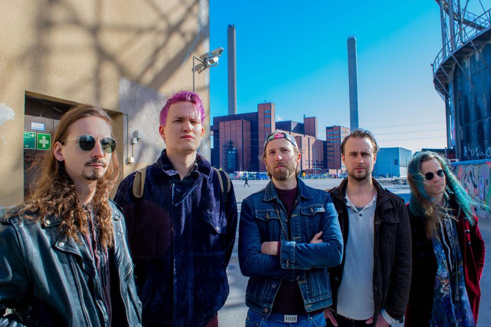 Atom Works julkaisee esikoisensa syyskuun alussa, kolmas single nyt kuultavissa