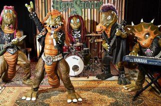 """Hevisaurus juhlistaa sadannetta kappalettaan metallimaailman supertähtien kanssa: katso """"100""""-kappaleesta julkaistu musiikkivideo"""