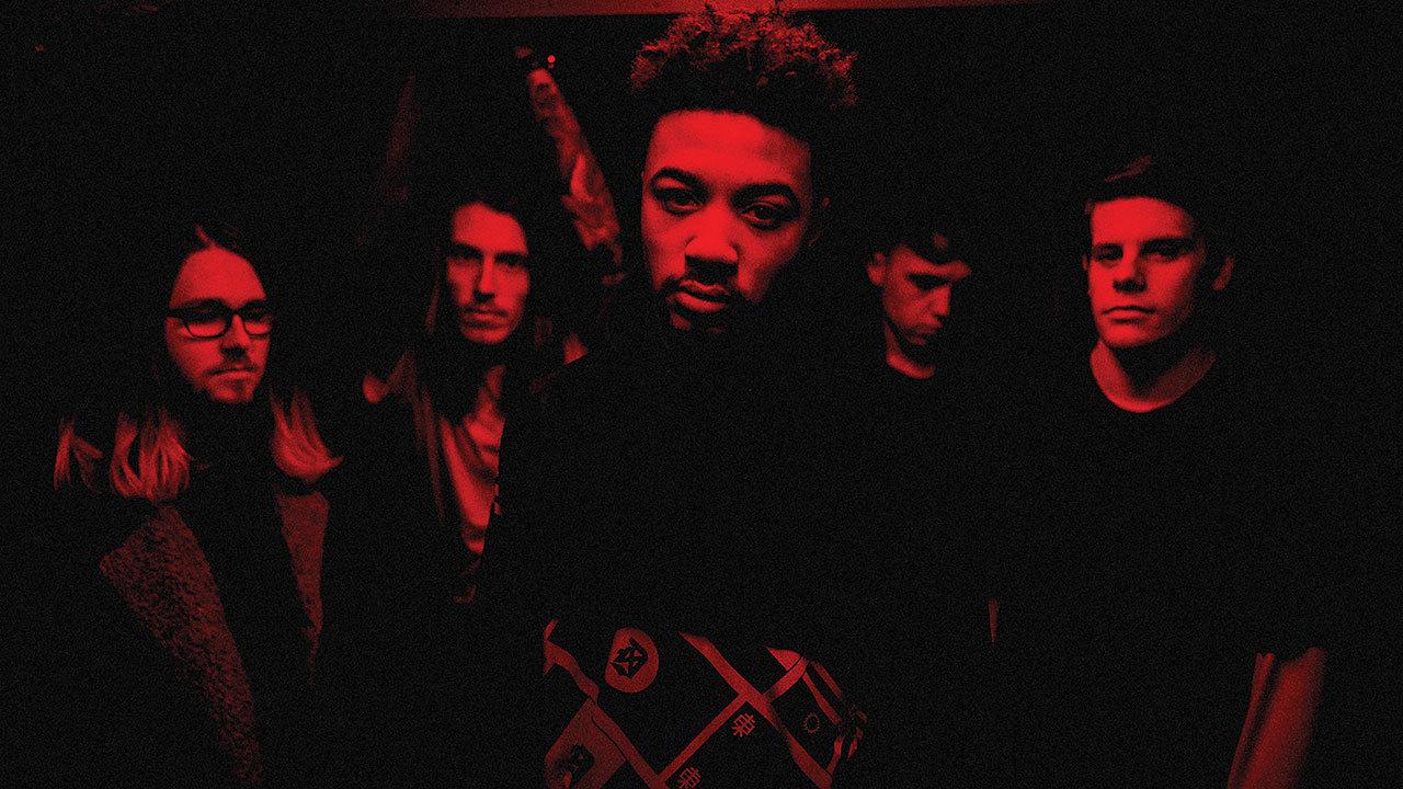 """Deftonesin jalanjäljissä kohti metallimaailman kärkeä: haastattelussa yllätysalbumin """"The Things They Believe"""" julkaissut brittiläisen metallin lupaus Loathe"""