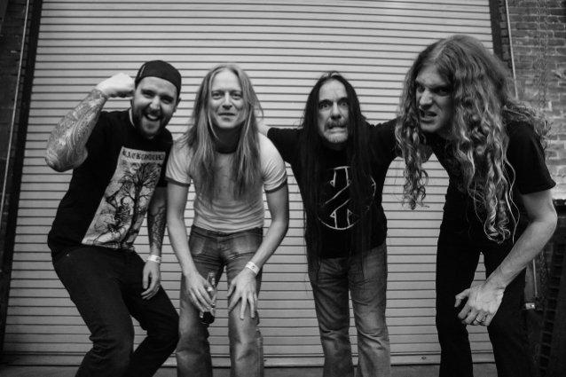 """Carcassin uusi EP """"Despicable"""" julkaistu: video """"Slaughtered in Soho"""" -kappaleesta katsottavissa"""