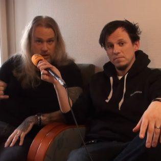 """KaaosTV tapasi videohaastattelun merkeissä Suomessa vierailleen Cyhran: """"Halusimme tulevan albumin kuulostavan samalta kuin soittaisimme kappaleet livenä"""""""