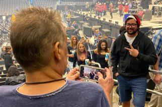 Tool-fani pyysi miestä ottamaan kuvan itsestään bändin konsertissa – ei tajunnut miehen olevan itse Eddie Van Halen