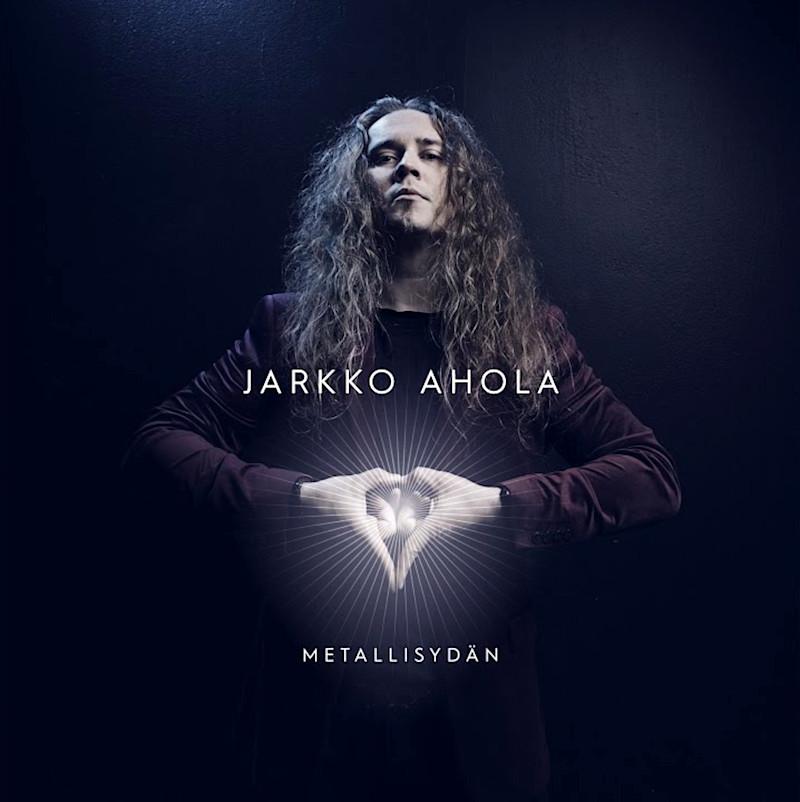 Jarkko Aholan Vain Kotka Lentää Aurinkoon -konsertti siirtyy ensi vuodelle