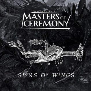 """Potentiaalia löytyy vielä parempaankin – arviossa Sascha Paeth's Masters of Ceremonyn """"Signs of Wings"""""""