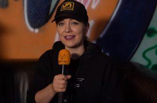 """KaaosTV tapasi todennäköisesti uransa viimeisen keikan soittaneen Velcran Jessi Freyn: """"Nyt oli oikea aika palata vielä kerran lavalle"""""""