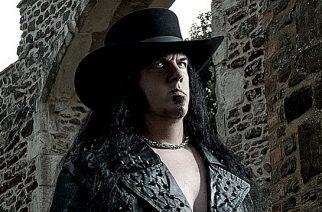 Death metallin ystäville herkkua: Morbid Angelin entiseltä nokkamieheltä David Vincentilta elämäkerta helmikuussa