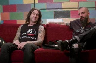 """Killswitch Engagen Mike D'Antonio ja Jesse Leach paljastaa musiikkimakunsa saloja tuoreella Amoeba Musicin """"What's In My Bag?"""" -sarjan jaksolla"""
