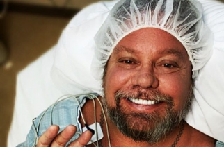 Mötley Cruen nokkamies Vince Neil käsileikkaukseen