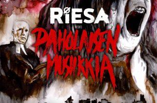 """Riesa potkii genre-aidat nurin """"Paholaisen musiikkia"""" -EP:llään"""