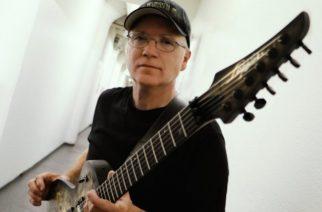 """Megadethin """"Peace Sells… but Who's Buying?"""" -albumin aikaiselta kitaristilta Chris Polandilta elämäkerta ensi vuonna"""
