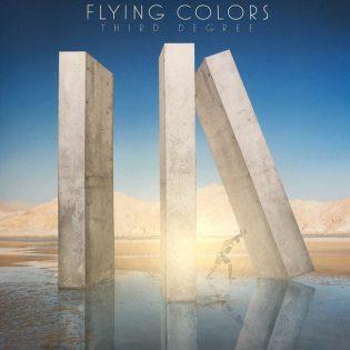 """Flying Colors on superkokoonpano, joka ei ratsasta pelkästään nimellään vaan myös taidoillaan – arviossa yhtyeen """"Third Degree"""""""