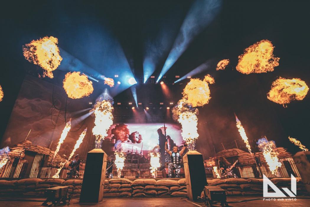 """Sabaton soitti keikan 42 000 fanin edessä Serbiassa: katso ammattilaisten kuvaama video """"The Great War"""" -kappaleen esityksestä"""