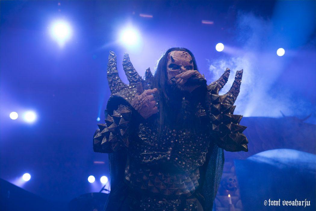 """Lordin seitsemästä uudesta albumista koostuva järkäle ilmestyy marraskuussa: uusi kappale """"Believe Me"""" kuunneltavissa"""