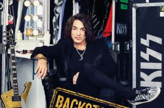 """Self helpiä Kiss-tyyliin – Arviossa Paul Stanleyn kirja """"Backstage-passi"""""""