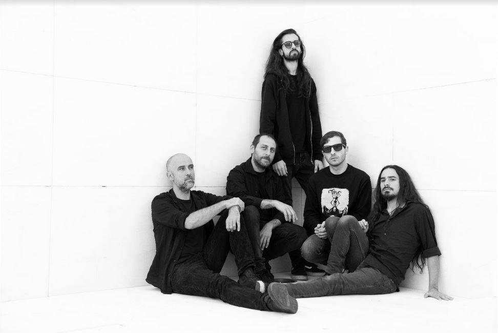 """White Stones julkaisi uuden """"New Age Of Dark"""" -kappaleen lyriikkavideon kera"""