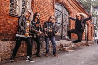 Blackcurrent tarjoilee street rockia kolmen kappaleen verran