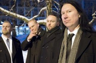 Punkin pelastaja ja köyhien kyykyttäjä Bob Malmström juhlistaa pyöreitä ystävien kanssa – Ennakkosoitossa Bob Malmström & The Enchained split 7″:n kappaleet