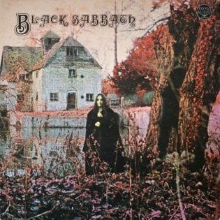 """""""Raskaan rockin synkeän syntinen synty"""" – klassikkoarvostelussa 50-vuotias Black Sabbath -debyytti"""