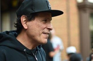 Useista yhtyeistä tuttu basisti Juan Alderete koomassa pyöräilyonnettomuuden jäljiltä