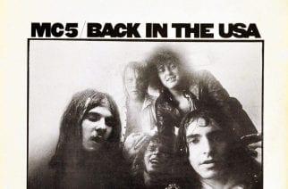 """Moottorikaupunki palaa: 50-vuotisarvostelussa MC5-yhtyeen """"Back in the USA"""""""