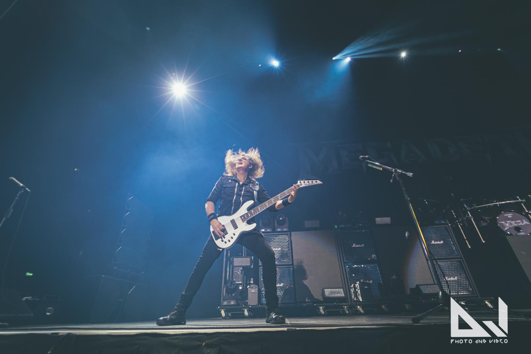Katso fanin eturivistä kuvaamat videot Megadethin keikalta Texasista