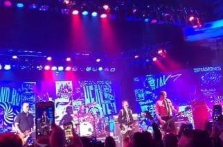 """Nirvanan elossa olevat jäsenet nousivat lavalle yhdessä The Art Of Elyseumin """"Heaven""""-gaalassa: videoita keikalta katsottavissa"""