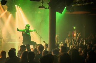 Turmion Kätilöt ja One Morning Left tarjoilivat tuomiopäivän diskon loppuunmyydyllä Tampereen Klubilla: katso kuvat keikalta