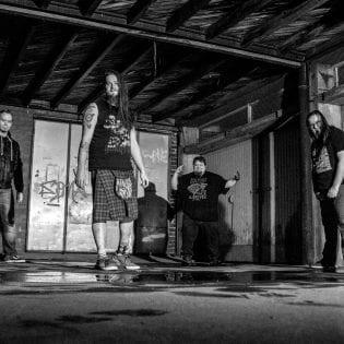 Rakkaudesta alkoholiin – Porilainen Blowtorch julkaisi nousuhumalanhajuisen singlen tulevalta levyltään