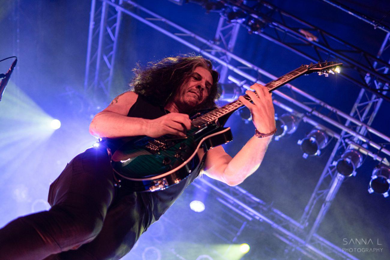 """Testament-kitaristi Alex Skolnick kannattaa rokotepassin käyttöönottoa keikoilla: """"Tätähän on tehty jo vuosia"""""""